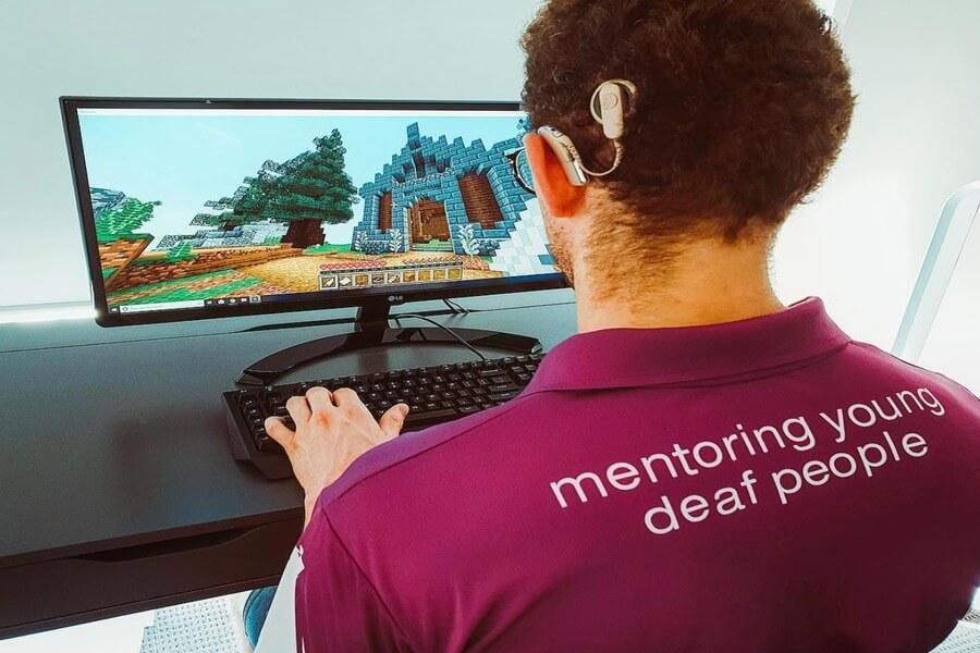 teenagers deaf community technology